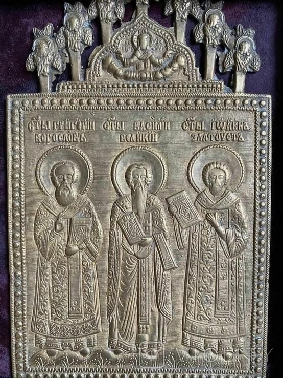 Икона Святители Григорий Богослов,Василий Великий и Иоанн Златоуст в киоте, фото №5