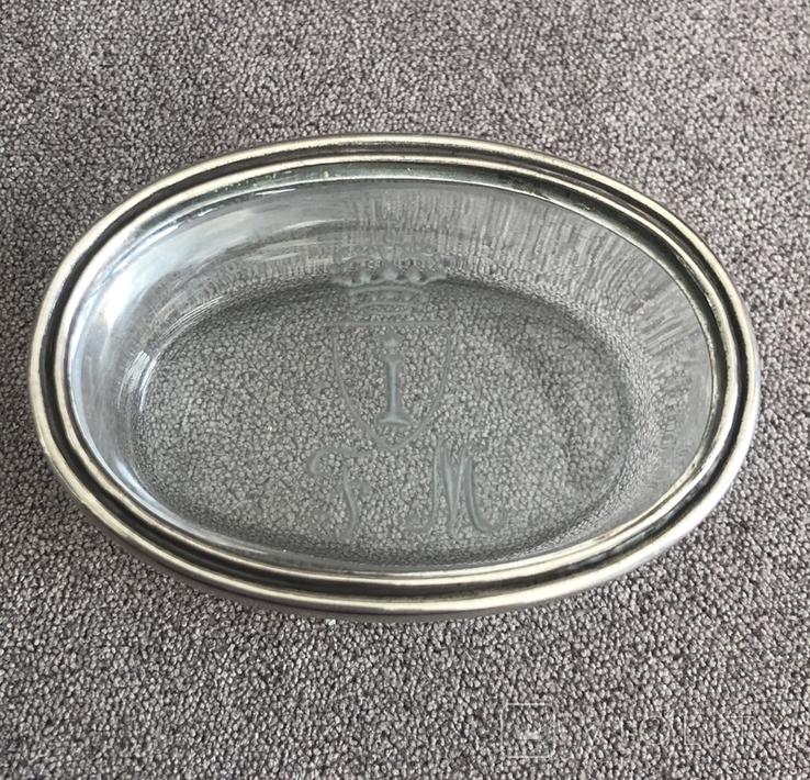 Старинная стекляная шкатулочка с гравировкой, ободок крышечки серебро 800 пр, фото №4