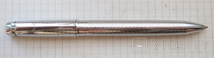 Шариковая авторучка полностью из металла
