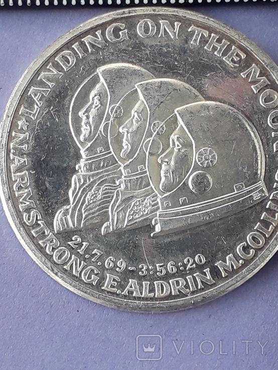 Раунд в честь миссии Аполлон-11, высадки человека на Луну, серебро 0.999, 15 грамм, фото №3