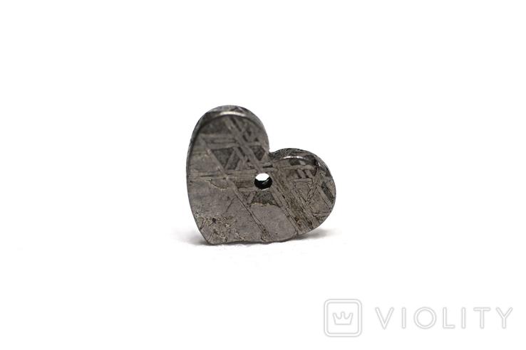 Залізній метеорит Muonionalusta, форма серця, 2.1 грам, сертифікат автентичності, фото №2