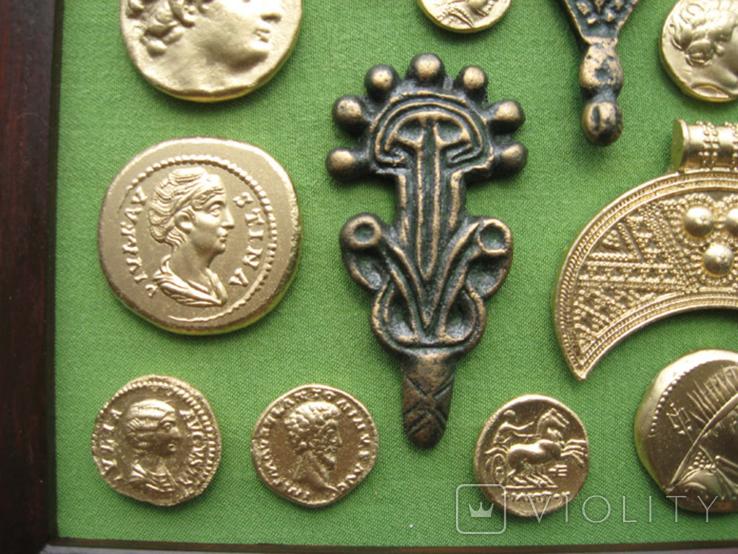 Монеты и античная археология. Копии, в раме без стекла, 31х21см, фото №6