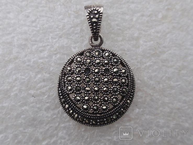 Круглая подвеска из из серебра с черными камнями., фото №2