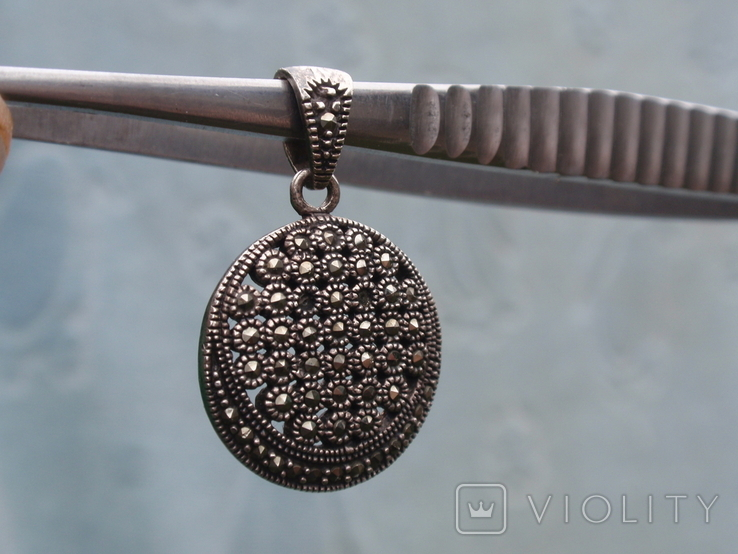 Круглая подвеска из из серебра с черными камнями., фото №9