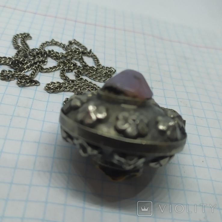 Кулончик-флакон с камнями. Ароматница, нюхательница. Диаметр 35мм,высота 45мм, фото №9