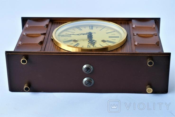 Каминные часы боем с ключом HERMLE, фото №3
