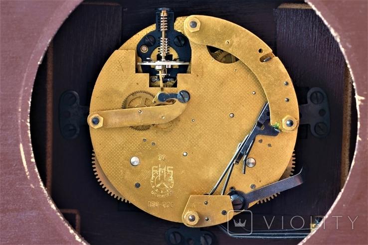 Каминные часы боем с ключом HERMLE, фото №6