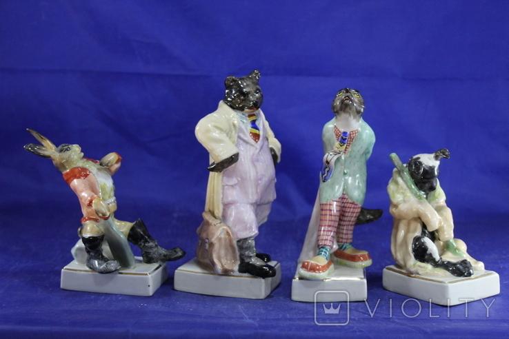 Фарфоровые статуэтки Волк Заяц Медведь Пес. На злобу дня 4 фигурки в одном лоте, фото №3