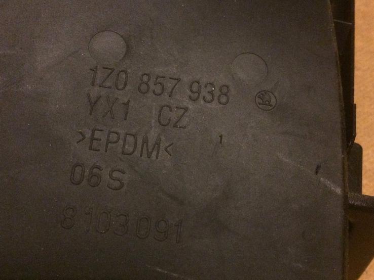 Карман под магнитолу Skoda Octavia A5, перчаточный ящик, заглушка, фото №9