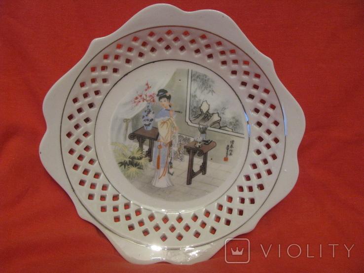 Настенная тарелка - Художница - Япония ., фото №2