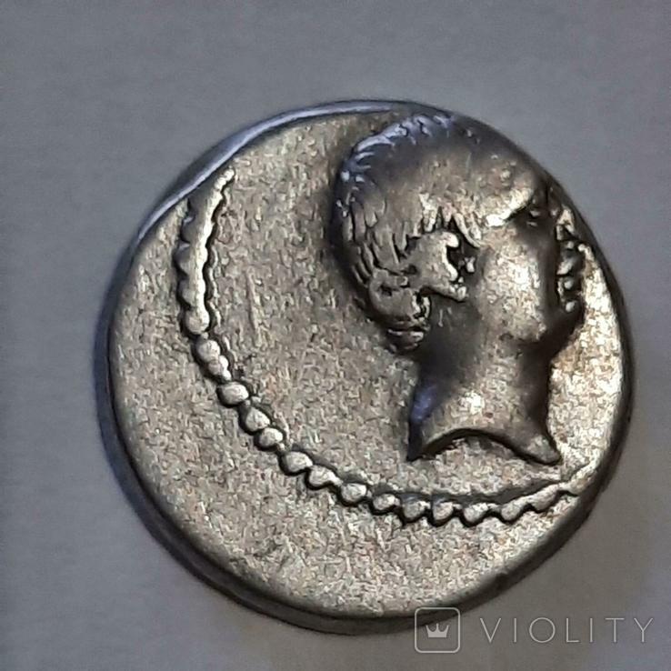 Римская республика . Л. Ливиний Регулус, 42 г. до н. Э