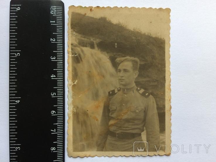 Солдат на фоне водопада., фото №2