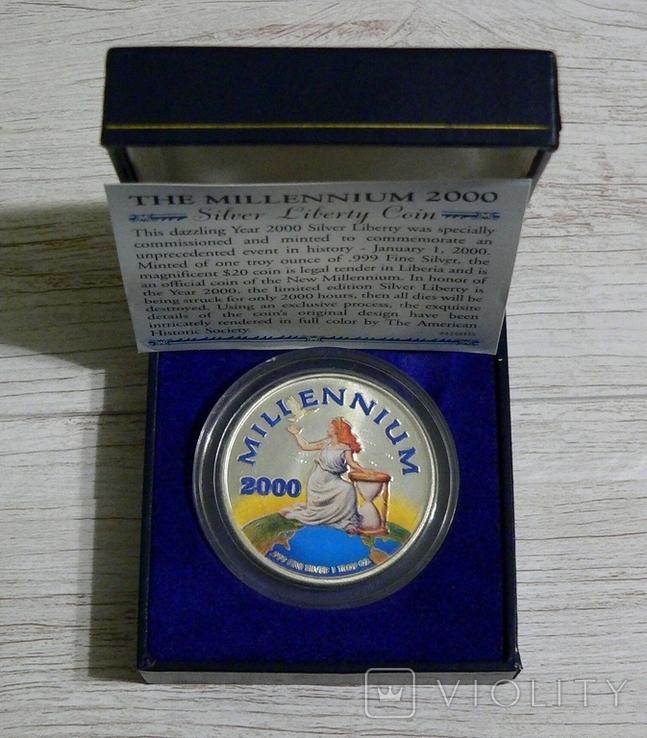 Либерия 20 долларов 2000 - МИЛЛЕНИУМ - серебро 999, цветная эмаль, унция, фото №2