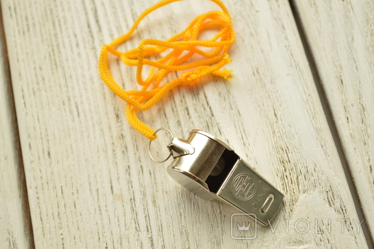 Свисток металлический на жёлтой верёвке, фото №5