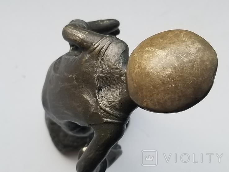 Бронзовая статуэтка вратарь, фото №6