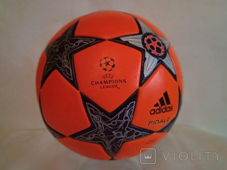 Футбольный мяч Лиги чемпионов УЕФА сезона 12/13 Adidas Finale 12, фото №11