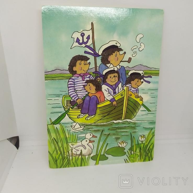 Открытка Ежики моряки плывут на лодке. Еж., фото №2