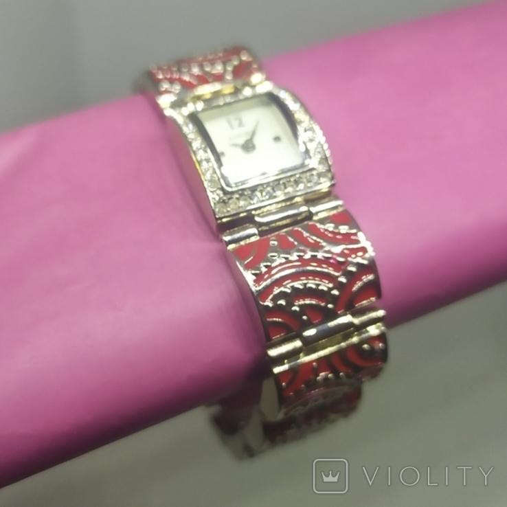 Кварцевые женские часы. Браслет с эмалью. На ходу, фото №4