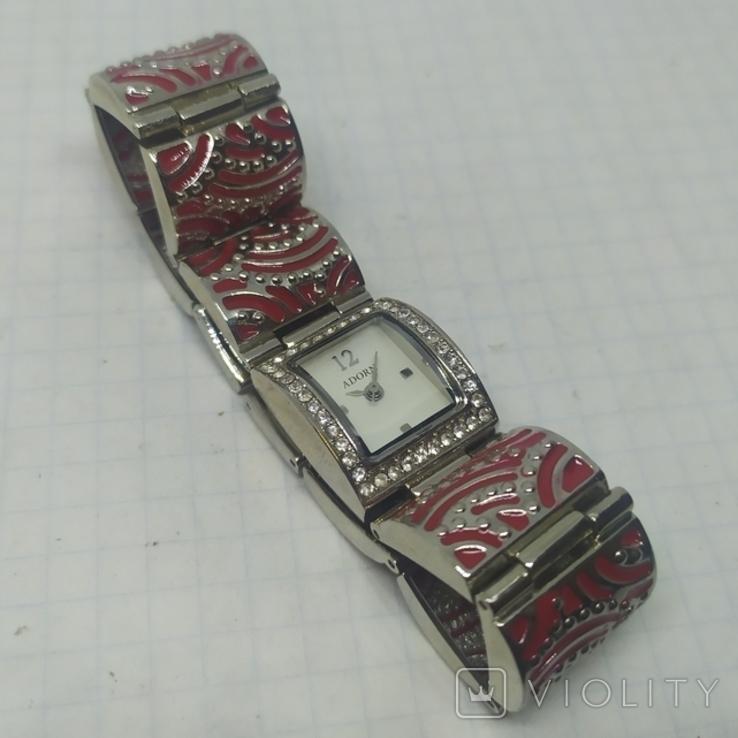 Кварцевые женские часы. Браслет с эмалью. На ходу, фото №6
