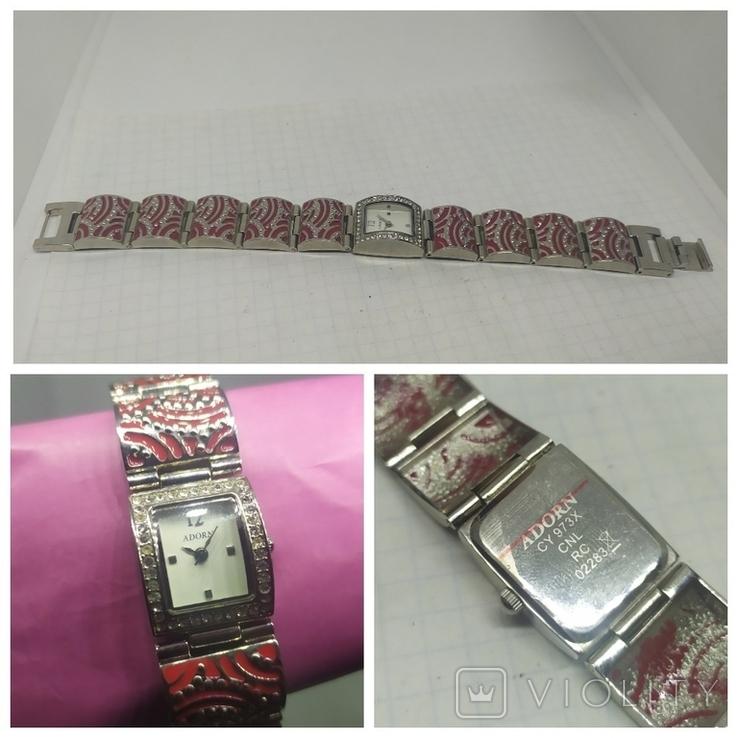 Кварцевые женские часы. Браслет с эмалью. На ходу, фото №2