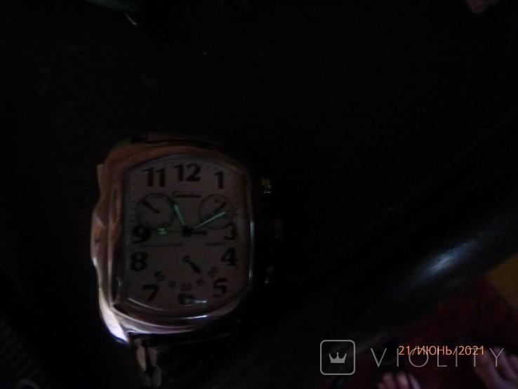 Кварцевые часы на ходу одним лотом, фото №8