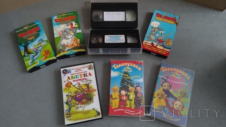 Видеокассеты - 54 шт, DVD - 7 шт. Мультфильмы., фото №5