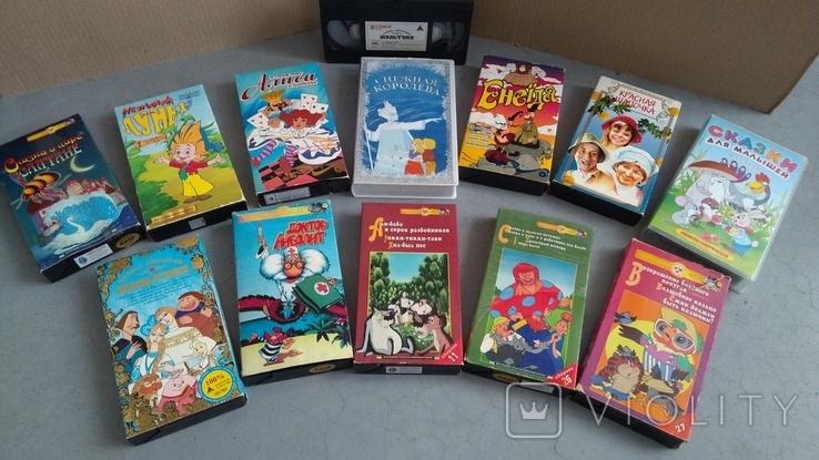 Видеокассеты - 54 шт, DVD - 7 шт. Мультфильмы., фото №9