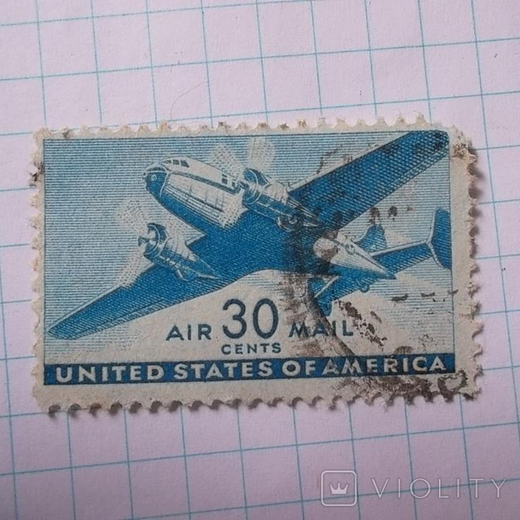 Марка.США.1941-1944 Двухмоторный транспортный самолет, фото №2