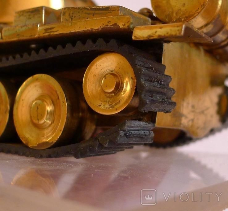 Танк Т-64 ? Латунь. Ручная работа . СССР., фото №13