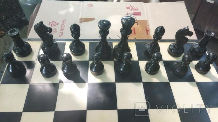 Деревянные шахматы на пластмассовой доске., фото №3