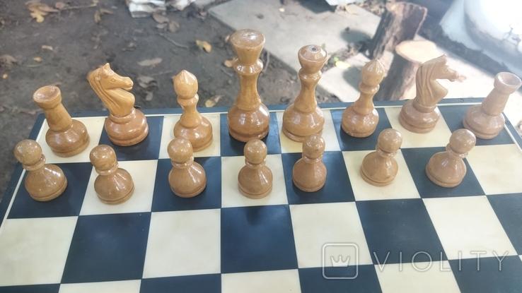 Деревянные шахматы на пластмассовой доске., фото №4