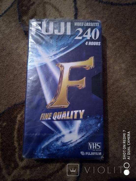 Чистая видео касета Fujifilm 240., фото №2