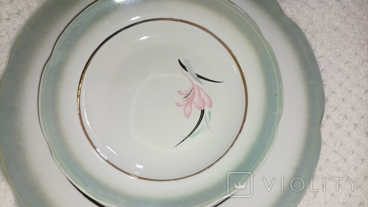 Одна велика і 3 менші тарілки з клеймом, фото №5