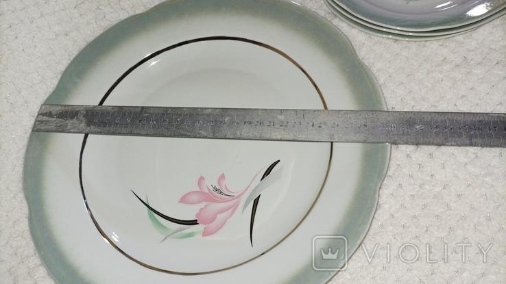 Одна велика і 3 менші тарілки з клеймом, фото №11