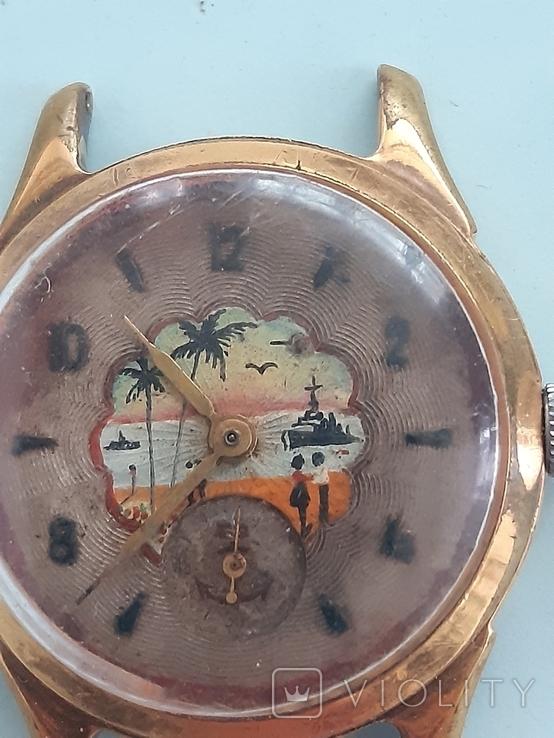 Часы позолоченные с рисунком, фото №3