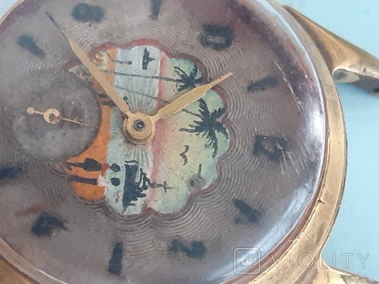 Часы позолоченные с рисунком, фото №9