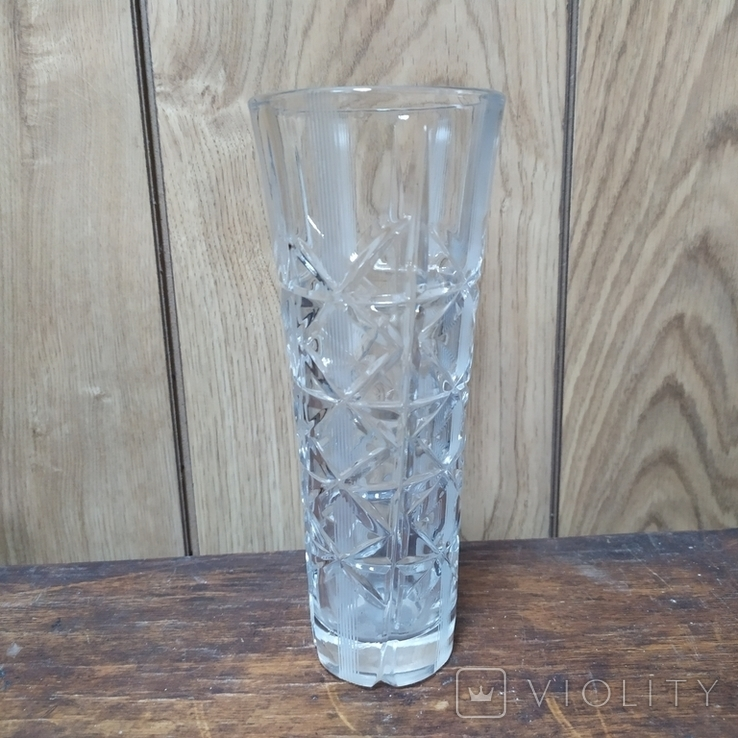 Хрустальная ваза с резьбой. Высота 19см, фото №2