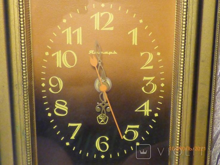 Настенные кварцевые часы янтарь на ходу, фото №3
