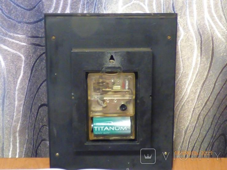 Настенные кварцевые часы янтарь на ходу, фото №5