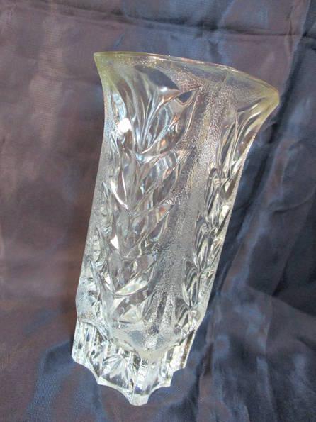 Небольшая вазочка,высота 17,5 см, фото №3