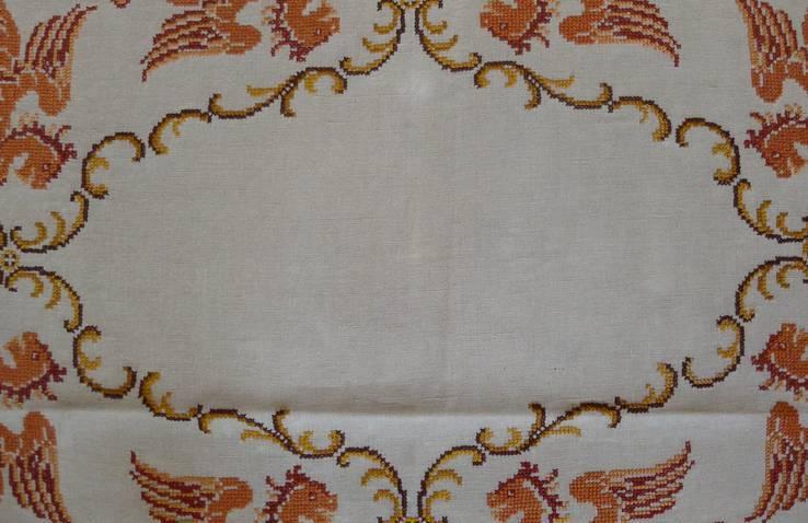 Старинная скатерть с ручной вышивкой - драконы или грифоны., фото №11