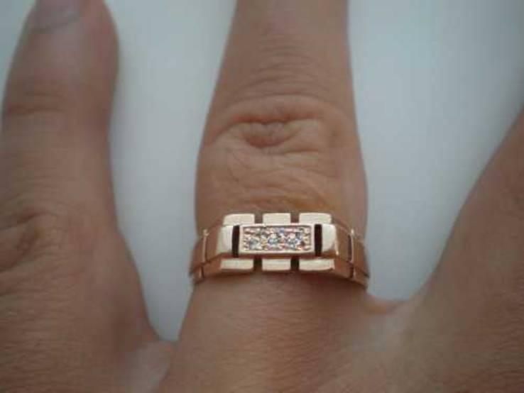 Кольцо 585 пробы золото.
