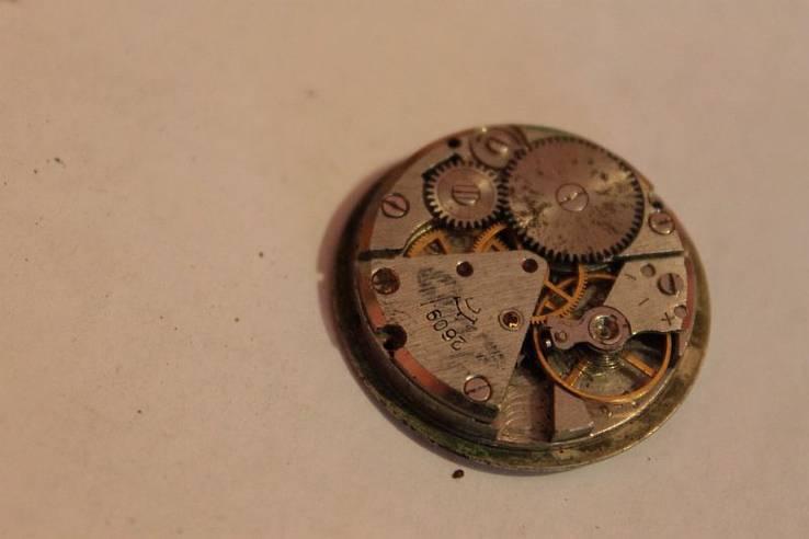 Механизм иностранных часов, фото №9