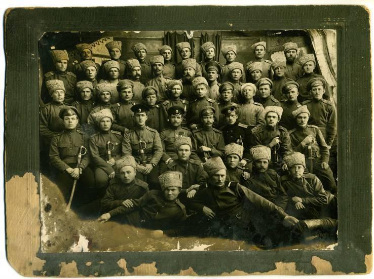 157-й запасной полк Казанского военного округа.Большое групповое фото. г. Камышлов 1916 г.
