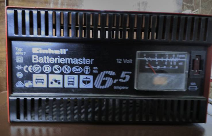 Автомобильное 12V зарядное устройство (без резерва)