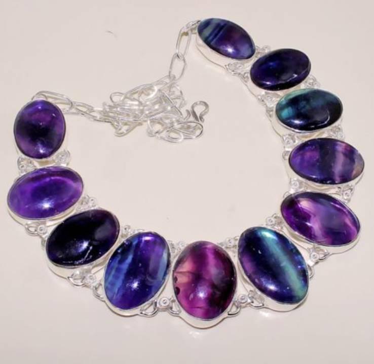 Ожерелье из натуральных флюоритов