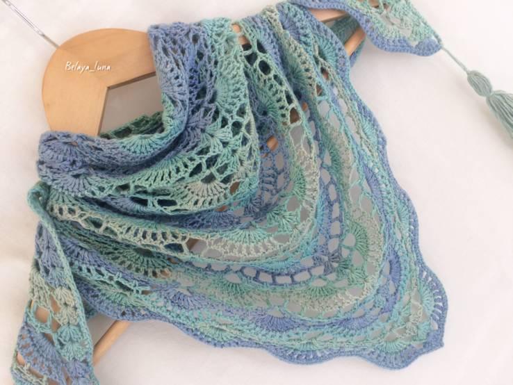 Бактус вязаный (мини-шаль, шейный платок)