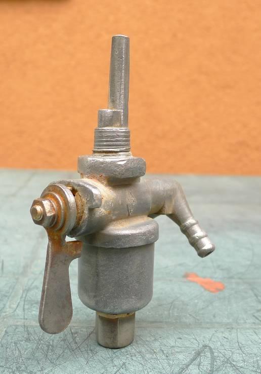 Топливный кран с тяжёлого ретро мото СССР., фото №8