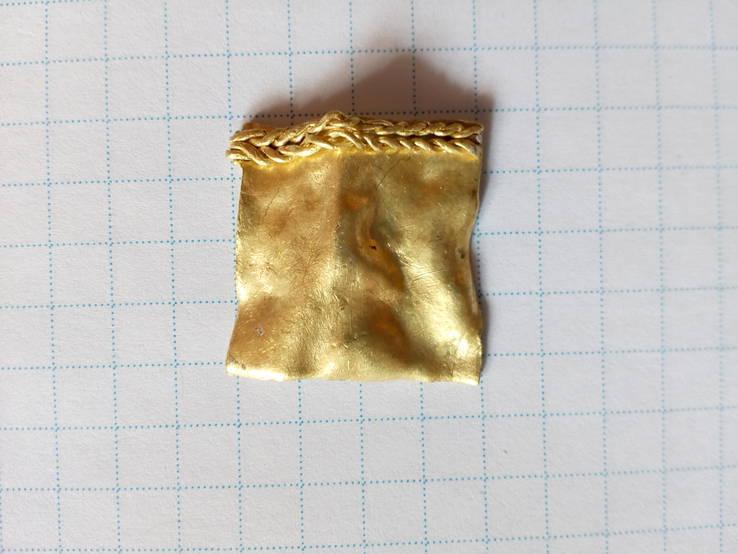Золото ЧК (часть или обломок украшения...) 2,9 гр.