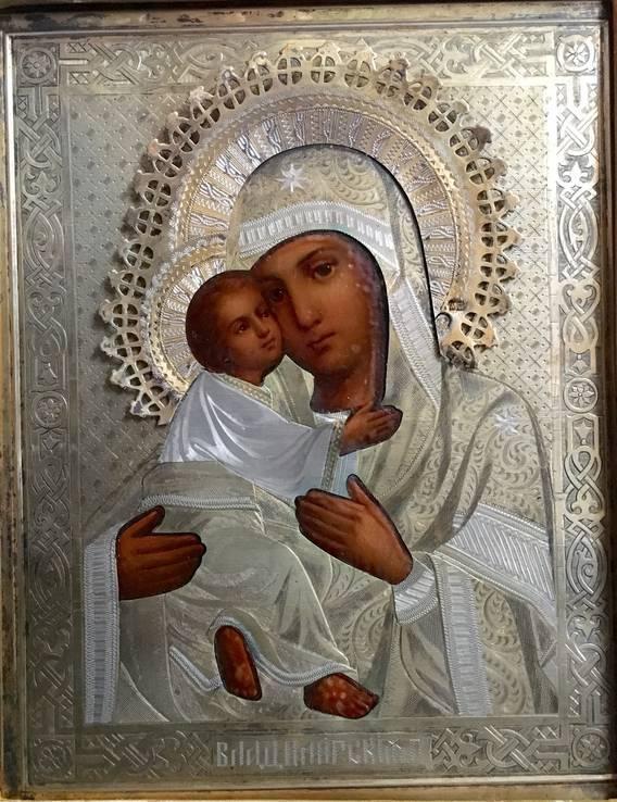 Икона Владимирской Божией Матери в серебряном окладе (18*14,5*2 см.)